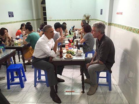 Obama ăn bún chả ở Hà nội, Obama đến Việt Nam - 2