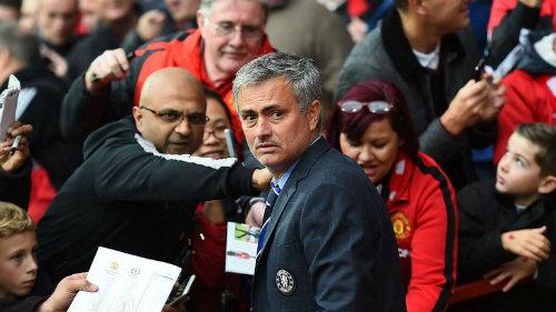 Mourinho đến MU: Lửa thử vàng, gian nan thử sức - 1