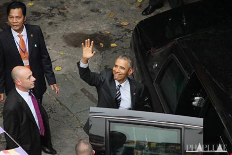 CẬP NHẬT: Người dân Sài Gòn đổ xuống đường đón chào TT Obama - 9