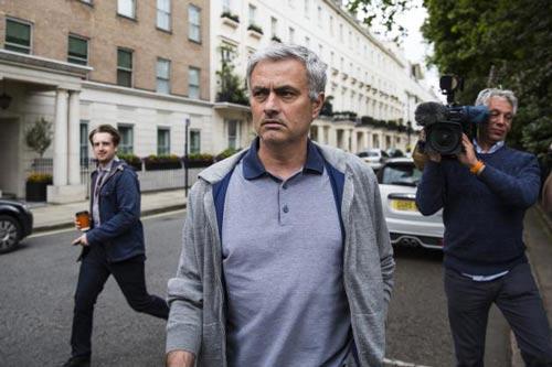 Mourinho gọi điện mời De Gea ở lại - 3