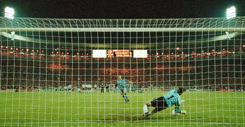 """""""Loạt đấu súng"""" tại EURO: Ác mộng của tuyển Anh - 3"""