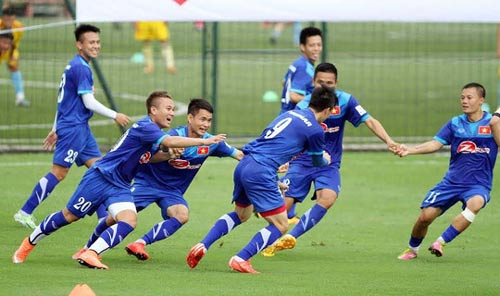 Đội tuyển Việt Nam đá giao hữu - 1