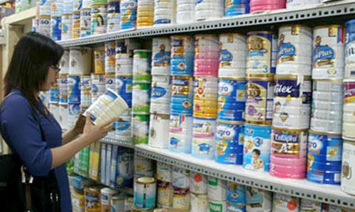 Tháng 7, xem xét bỏ trần giá sữa cho trẻ dưới 6 tuổi - 1