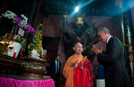 Obama thăm chùa Ngọc Hoàng - 2