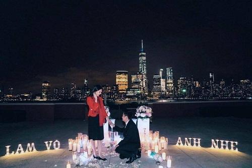 Những người đẹp Việt được người yêu quỳ gối cầu hôn - 1
