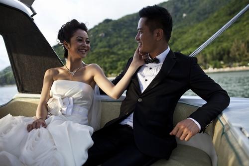 Những người đẹp Việt được người yêu quỳ gối cầu hôn - 4