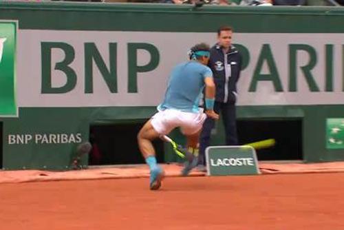 Hot shot: Nadal tung cú tweener đẹp như vẽ - 1