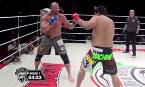 MMA: 1 phút, 1 cú đấm, 1 knock-out - 1