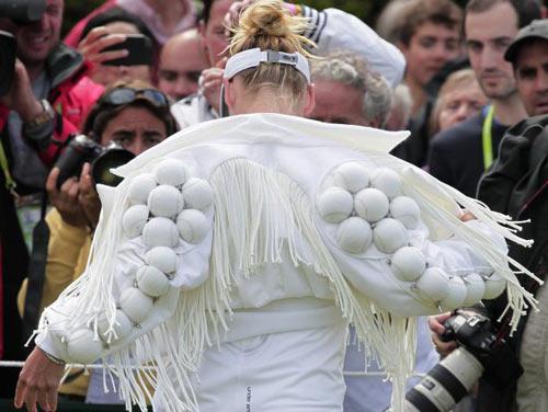 """Roland Garros: Trang phục """"Ngựa vằn"""" xấu điên đảo - 8"""