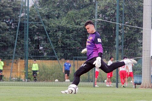ĐT Việt Nam bị đàn em U21 cầm hòa không bàn thắng - 6