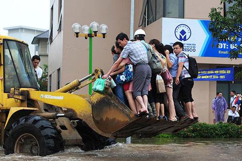 Vì sao các khu đô thị mới ở Hà Nội ngập nặng? - 1