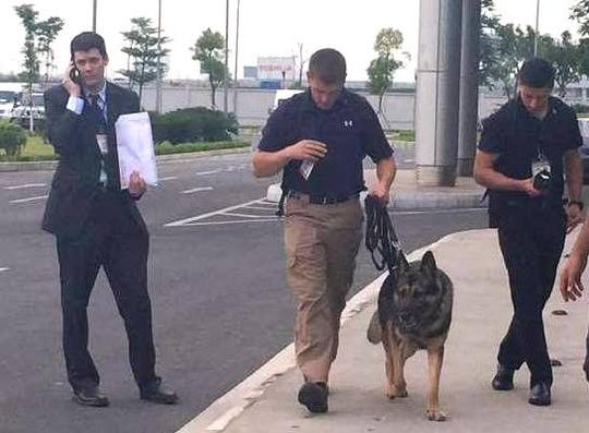 Chó nghiệp vụ theo bảo vệ TT Obama mang hàm Đại úy - 1