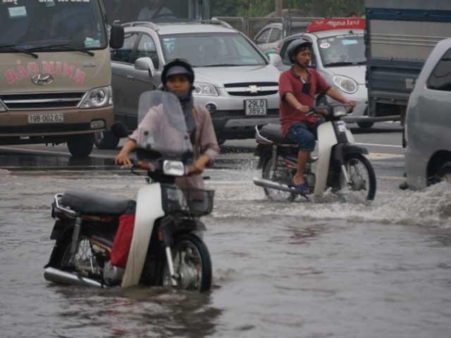 Đêm nay, Hà Nội lại mưa lớn - 1