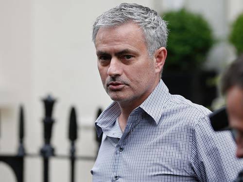 MU trả Mourinho gấp đôi lương Van Gaal - 1