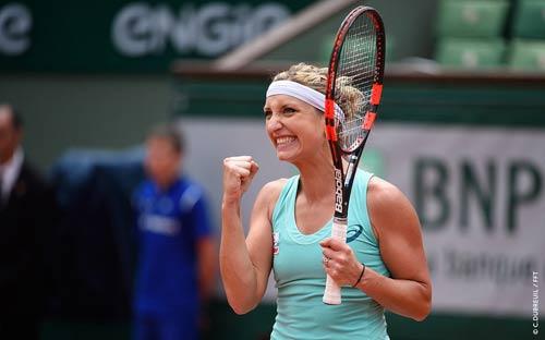 Roland Garros ngày 5: Serena siêu tốc vào vòng 3 - 7