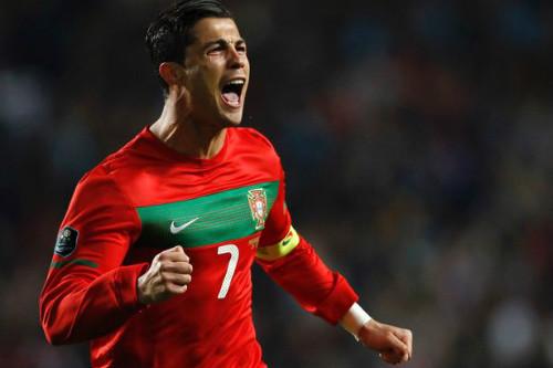 """Euro 2016: Ronaldo """"cháy"""" lên lần cuối - 2"""