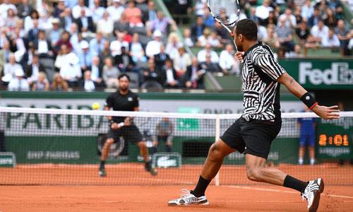 Roland Garros ngày 5: Serena siêu tốc vào vòng 3 - 5