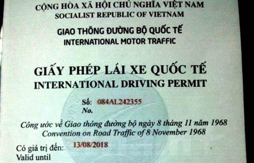 Người dân đã có thể xin cấp Giấy phép lái xe quốc tế tại nhà - 1