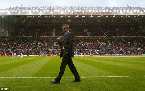 Mourinho - MU: Cái bắt tay của quỷ - 2