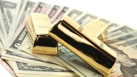 Vàng giảm mạnh, nhu cầu mua USD tăng mạnh - 1