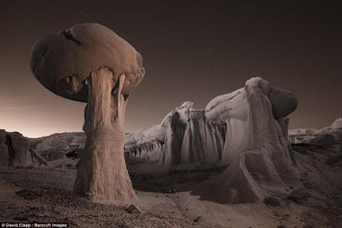 Những địa danh đẹp ngoạn mục như trên hành tinh lạ ở Mỹ - 1