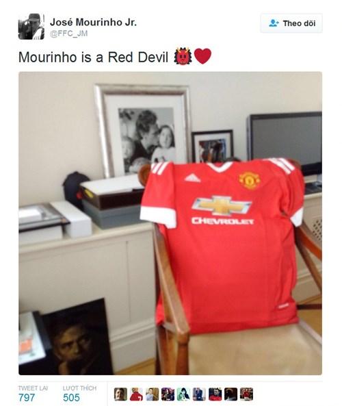 CHÍNH THỨC: Mourinho trở thành HLV trưởng MU - 5