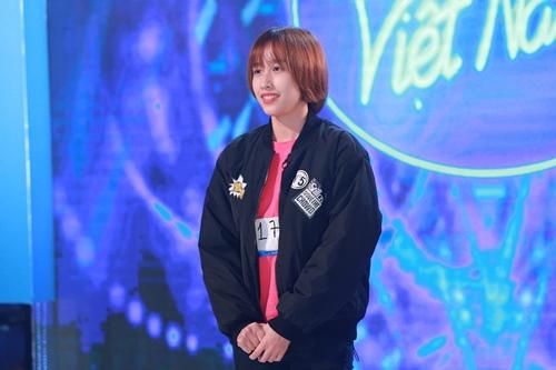 Nữ nhân viên sòng bài khiến giám khảo VN Idol ngơ ngẩn - 1