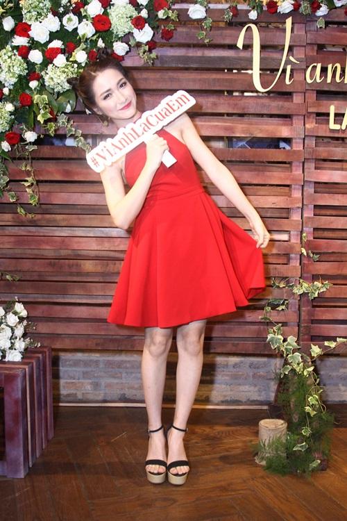 Hòa Minzy khóc nức nở xin lỗi mẹ chốn đông người - 9