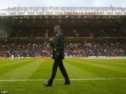 Bóng đá - Mourinho - MU: Cái bắt tay của quỷ