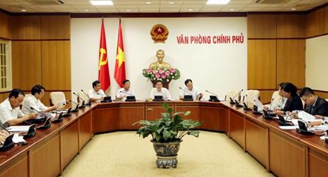 Phó Thủ tướng yêu cầu xem lại cách tính thuế nhập khẩu xăng dầu - 1