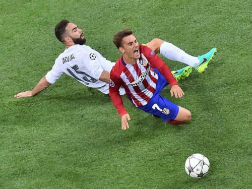 """CK cúp C1: Real, Atletico biến sân cỏ thành """"võ đài"""" - 1"""