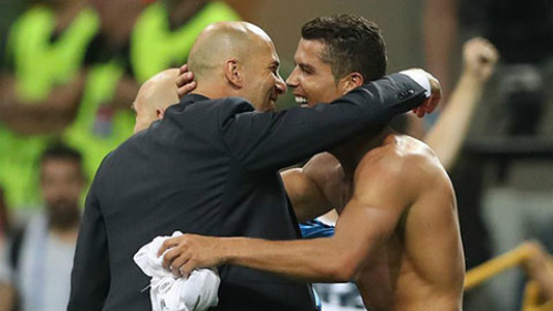 Đoạt cúp C1, Zidane & học trò phấn khích cao độ - 2