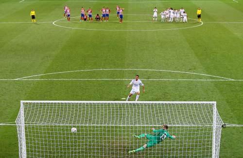 Thủ môn Atletico siêu tồi trong loạt luân lưu 11m - 1