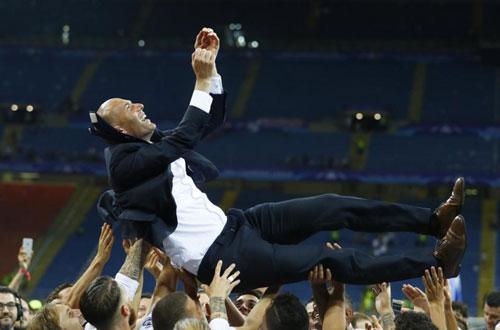 """""""Kẻ đóng thế""""  Zidane: Thép đã tôi thế đấy - 3"""