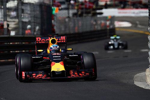 """Phân hạng Monaco GP: """"Bò húc"""" đã trở lại?! - 2"""