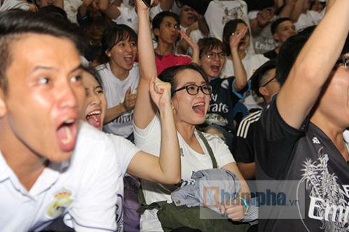 """Dàn hot girl Real Madrid """"tỏa sáng cảm xúc"""" chung kết cúp C1 - 4"""