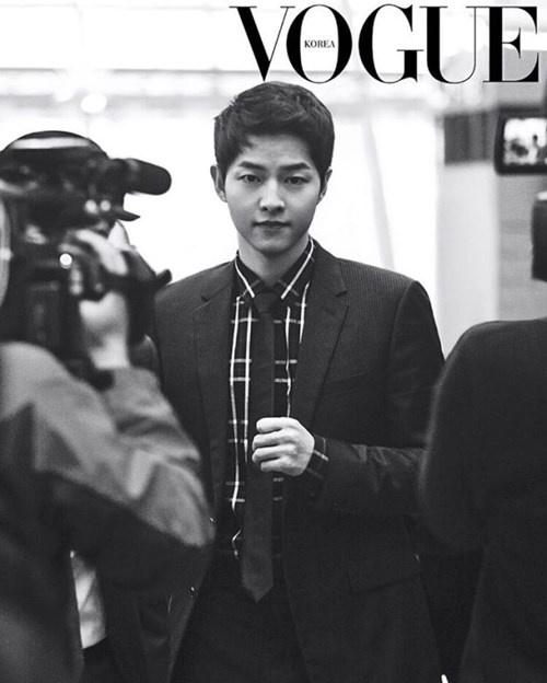 """Những khoảnh khắc """"đốn tim"""" fan của Song Joong Ki - 12"""