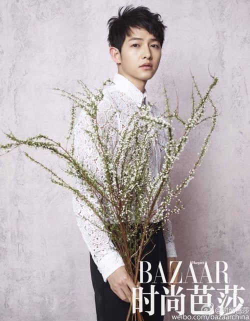 """Những khoảnh khắc """"đốn tim"""" fan của Song Joong Ki - 13"""