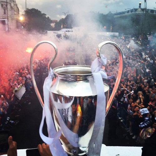 Thầy trò Zidane trở về Madrid, mở hội cùng biển người - 4