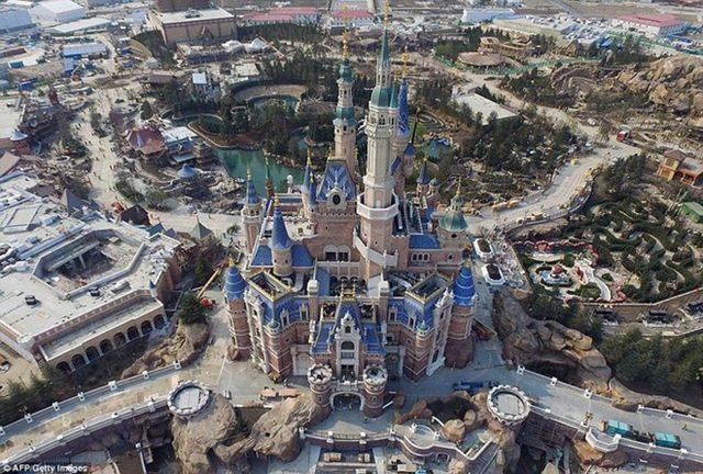 """Tỉ phú giàu nhất TQ mở công viên """"đè bẹp"""" Disney Land - 2"""