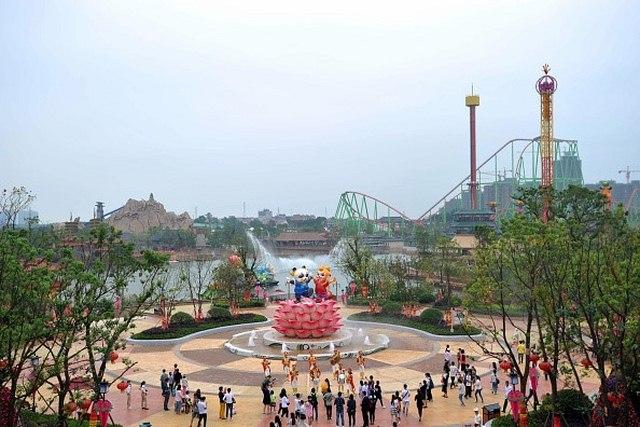 """Tỉ phú giàu nhất TQ mở công viên """"đè bẹp"""" Disney Land - 5"""