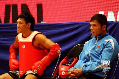 Nguyễn Trần Duy Nhất vô địch Muay Thái thế giới - 1