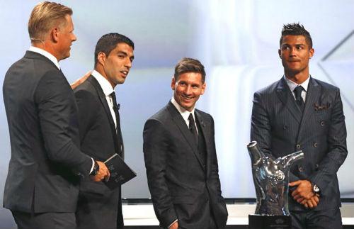 Ronaldo và Quả bóng vàng 2016: Sáng nhưng chưa chắc - 2
