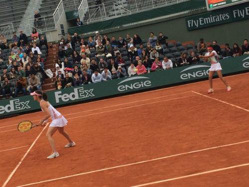 Roland Garros ngày 8: Raonic dừng bước vì chấn thương - 2