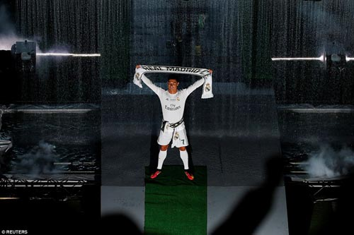 "Real - Ronaldo quậy tung Bernabeu mừng ""Undecima"" - 8"
