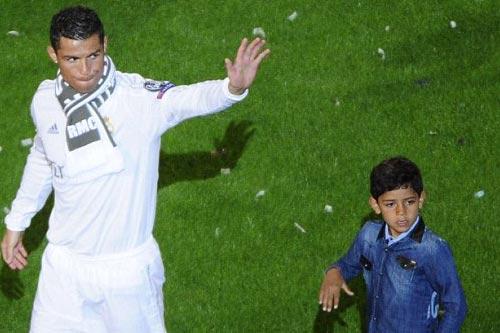 "Real - Ronaldo quậy tung Bernabeu mừng ""Undecima"" - 9"