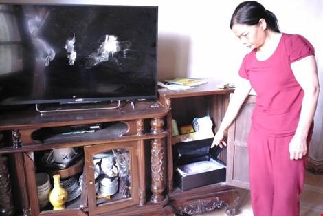 Nghi án côn đồ đột nhập vào nhà, trộm gần 100 triệu đồng - 1