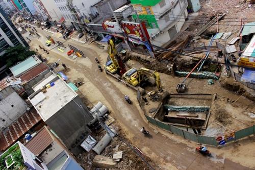 Những căn nhà kỳ quái giữa Sài Gòn - 1