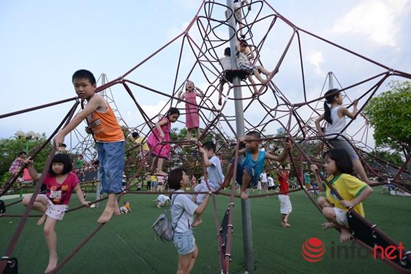 Trẻ em ở Hà Nội đang thiếu thốn sân chơi - 11