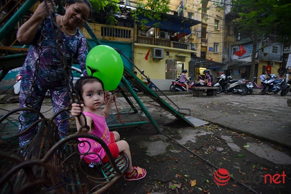 Trẻ em ở Hà Nội đang thiếu thốn sân chơi - 2